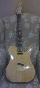 frontal guitarra laca.jpg