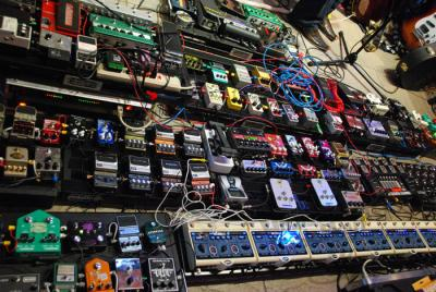 Guitar-effects-pedals.jpg