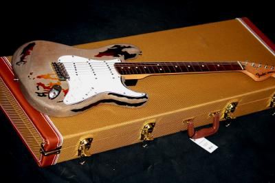 fender-custom-shop-rory-gallagher-signature-stratocaster-3-color-sunburst-480544.jpg