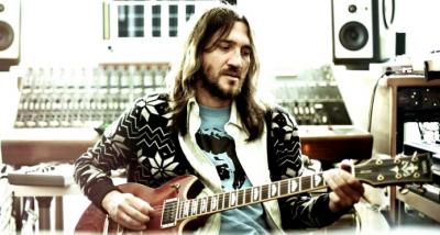 john_frusciante_2012_by_mike_piscitelli_preview.jpg