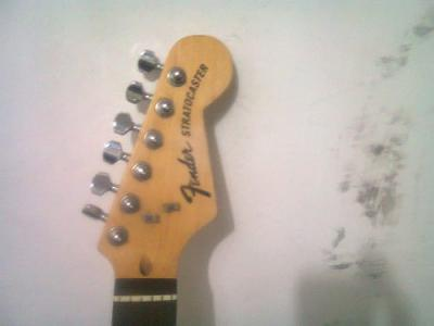 fender-classic-70s-stratocaster-made-in-mexico-hss_MEC-O-4646205563_072013.jpg