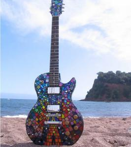 Muse Guitarra mosaico The Resistance.jpg