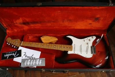 43 - fender strat am. std custom shop.JPG