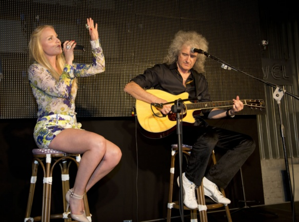 Brian May y Kelly Ellis