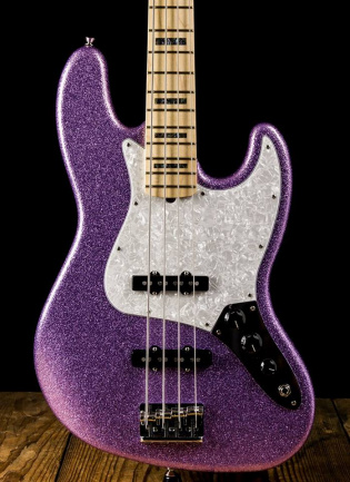 Fender Adam Clayton