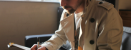 Gana una Squier Simon Neil Stratocaster Signature