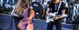 """Apocalyptica y Steve Vai tocan """"Kashmir"""" acompañados de 30 violonchelistas y 50 guitarristas"""