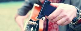 Roadie 2, un dispositivo motorizado que afina la guitarra por ti