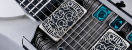 Music Man NOMAC Majesty, la signature de John Petruccicon rubíes y diamantes