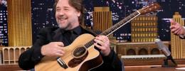 """Las guitarras de """"Gladiator"""": Russell Crowe subasta 19 instrumentos de su colección"""