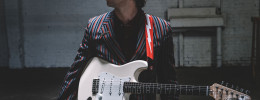 Fender amplia su linea de guitarras signature con la Albert Hammond Jr Stratocaster
