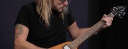Richie Faulkner de Judas Priest demuestra la nueva Gibson Flying V Original Collection