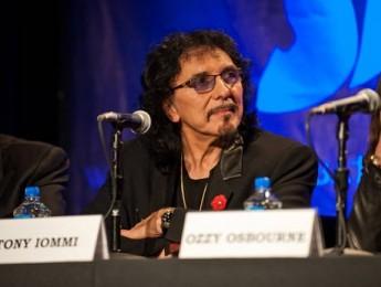 Mejora el estado de salud de Tony Iommi
