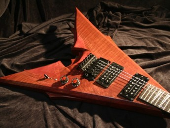 Roeller Custom Guitars presenta 'The Emperor'