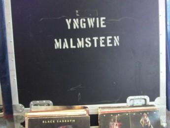Yngwie Malmsteen subasta varios artículos personales