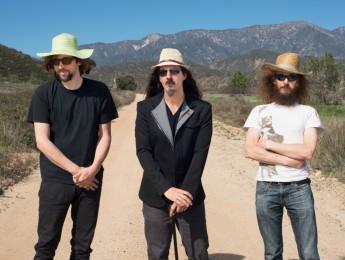 """The Aristocrats desvelan el título de su tercer álbum de estudio: """"Tres Caballeros"""""""