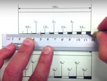 Construcción de una regla casera para ajustar la altura de las cuerdas
