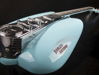 La guitarra homenaje a Harley-Davidson de Daniel Ruiz