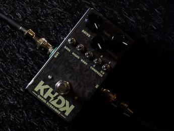 Kirk Hammett presenta su marca de pedales KHDK Electronics con el nuevo Ghoul Screamer