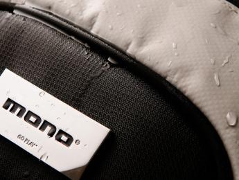 MONO presenta la M80, funda dual para acústica y eléctrica