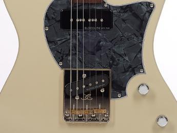 John Page Classic desvela nueva guitarra, el modelo AJ