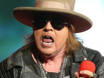 AC/DC confirma que Axl Rose será su nuevo cantante