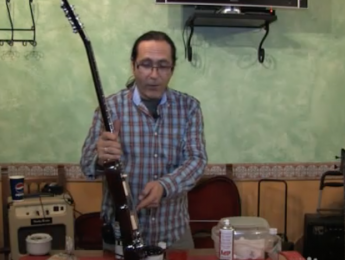 Limpieza y mantenimiento básico de la guitarra eléctrica