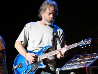 Bob Weir gana la primera edición del premio Les Paul Spirit