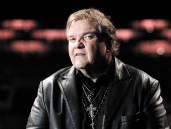 Meat Loaf se desploma en el escenario