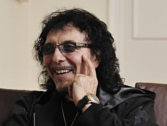 """Tony Iommi: """"Mi cáncer se encuentra en remisión"""""""