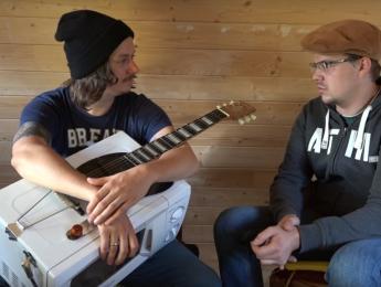 Convierten un microondas en una guitarra