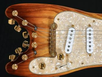 Strobelcaster, una Stratocaster en tamaño viaje