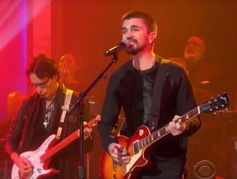 """Juanes, Steve Vai y Steuart Smith tocan juntos """"Hotel California"""""""