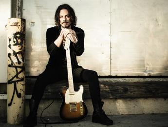 """Salting Earth"", nuevo álbum de Richie Kotzen en abril"