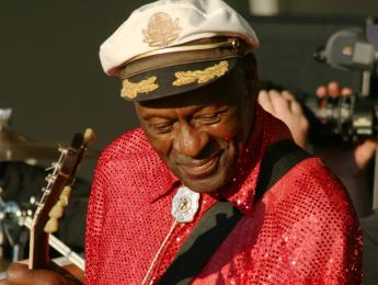 Chuck Berry, pionero del rock and roll, muere a los 90 años
