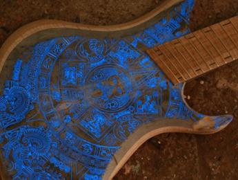 Red Layer Guitars, guitarras con leds que manejas desde tu móvil