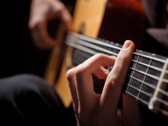 Formación de acordes, funciones armónicas y ritmo armónico