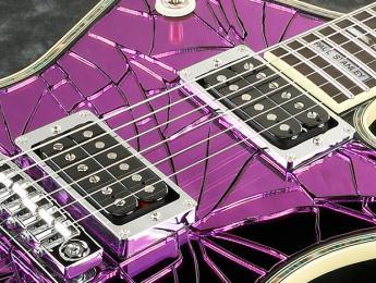 Ibanez PS2CM, la signature de Paul Stanley en acabado de espejo púrpura