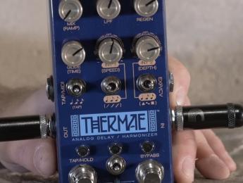 Thermae y Condor de Chase Bliss, un delay armonizador y un overdrive con filtro y tremolo
