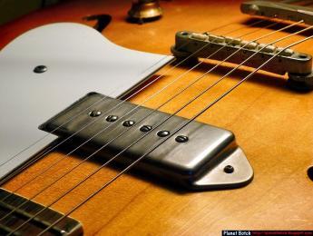 Pastillas de guitarra: las piezas polares y su altura