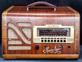 Square Amps: amplificadores de guitarra hechos con antiguas radios de válvulas