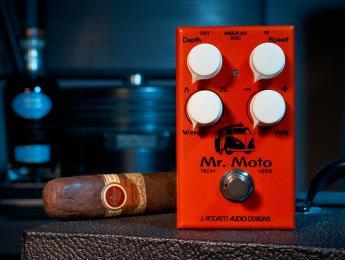 Mr. Moto, el nuevo trémolo con reverberación de J. Rockett