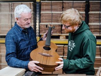 Ed Sheeran anuncia su propia linea de guitarras acústicas en colaboración con Lowden