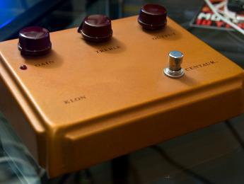 El Klon Centaur vuelve a fabricarse, hecho a mano por Bill Finnegan