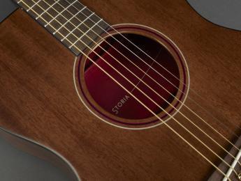 Storia, la serie de guitarras acústicas más colorista de Yamaha