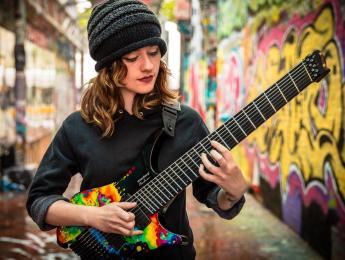 Strandberg anuncia la Metal Sarah Longfield Edition en versiones de 6, 7 y 8 cuerdas