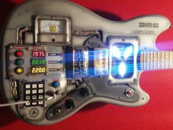 Fender Mustang estilo Back to the Future de Martper Guitars