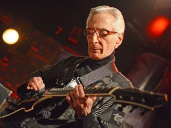 El guitarrista de jazz Pat Martino necesita ayuda para superar sus problemas de salud