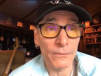 Steve Vai comienza un ciclo de directos en facebook para responder tus preguntas en vivo