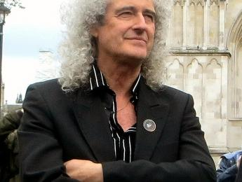 Brian May te enseña a tocar hits de Queen durante la cuarentena
